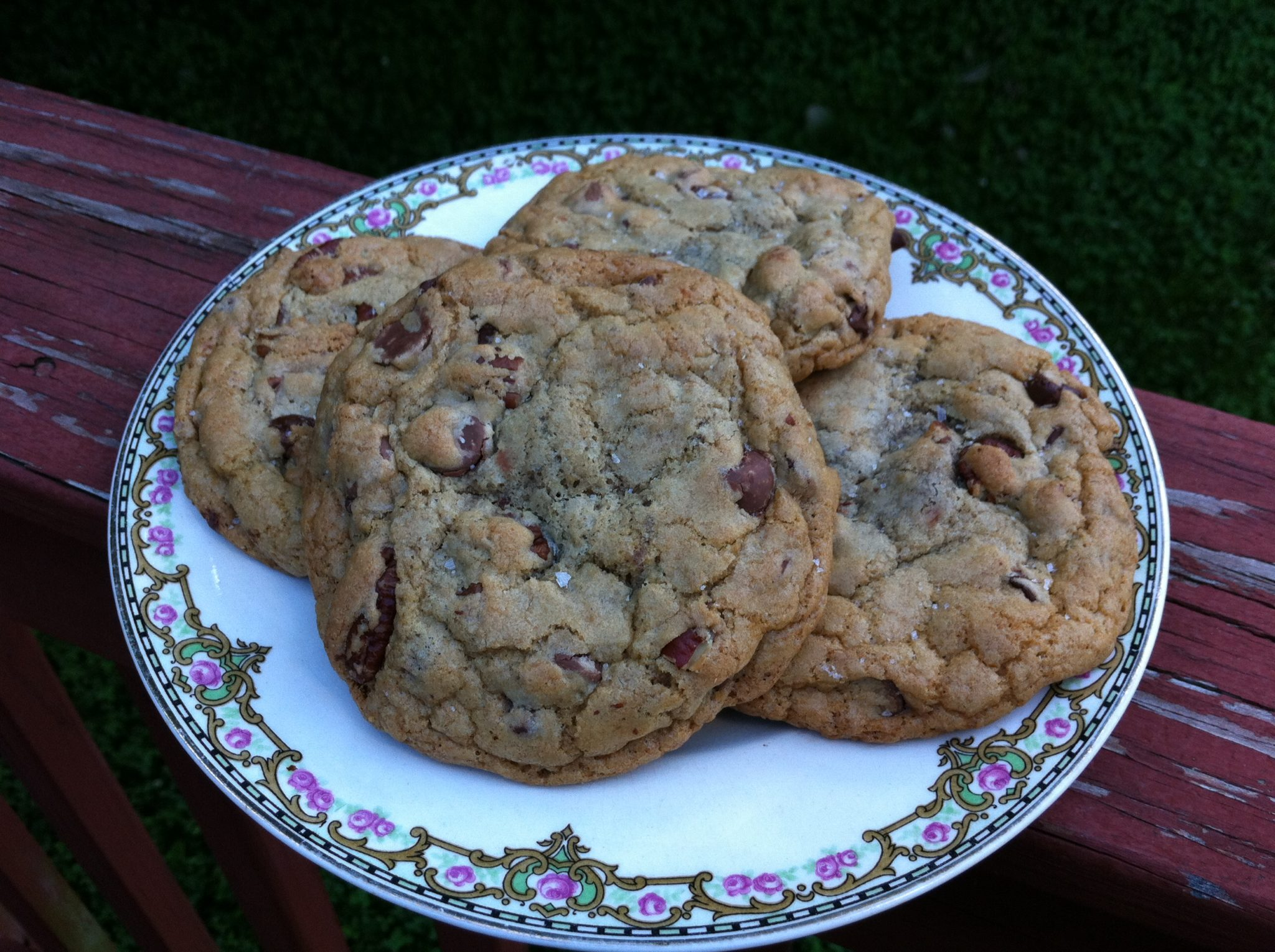 Hunka Chunka Chocolate Chip Cookies