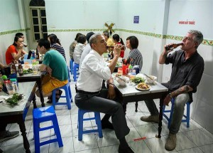 160523-obama-vietnam-beer-jsw_b2afb7e10f219a65b3a31902bf0565ba.nbcnews-ux-600-480
