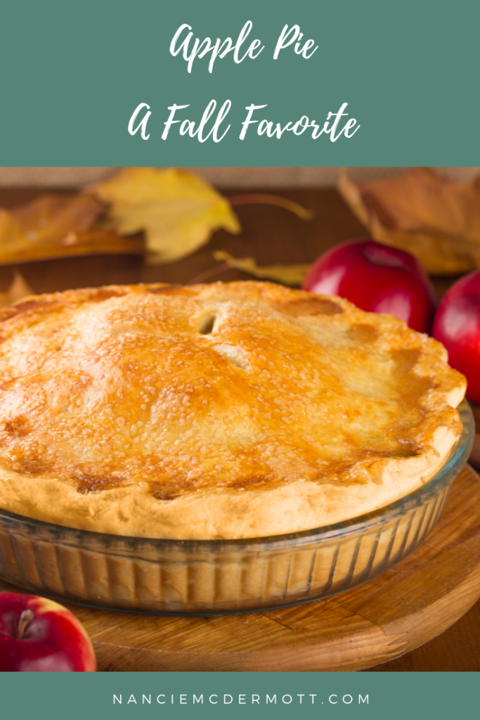 Pinterest Image: Apple Pie with text
